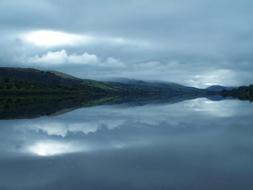 bala lake llyn tegid mist reflections